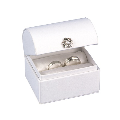 Satin Chest Ring Box