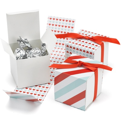 Red/Aqua Heart Reversible Wrap Favor Boxes